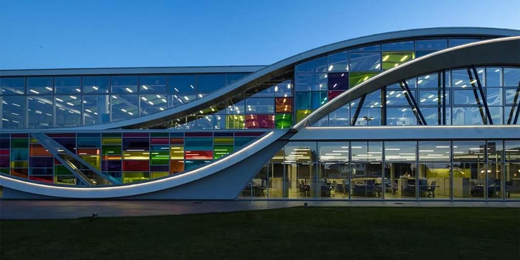 Digi&Met: Center for innovative leadership