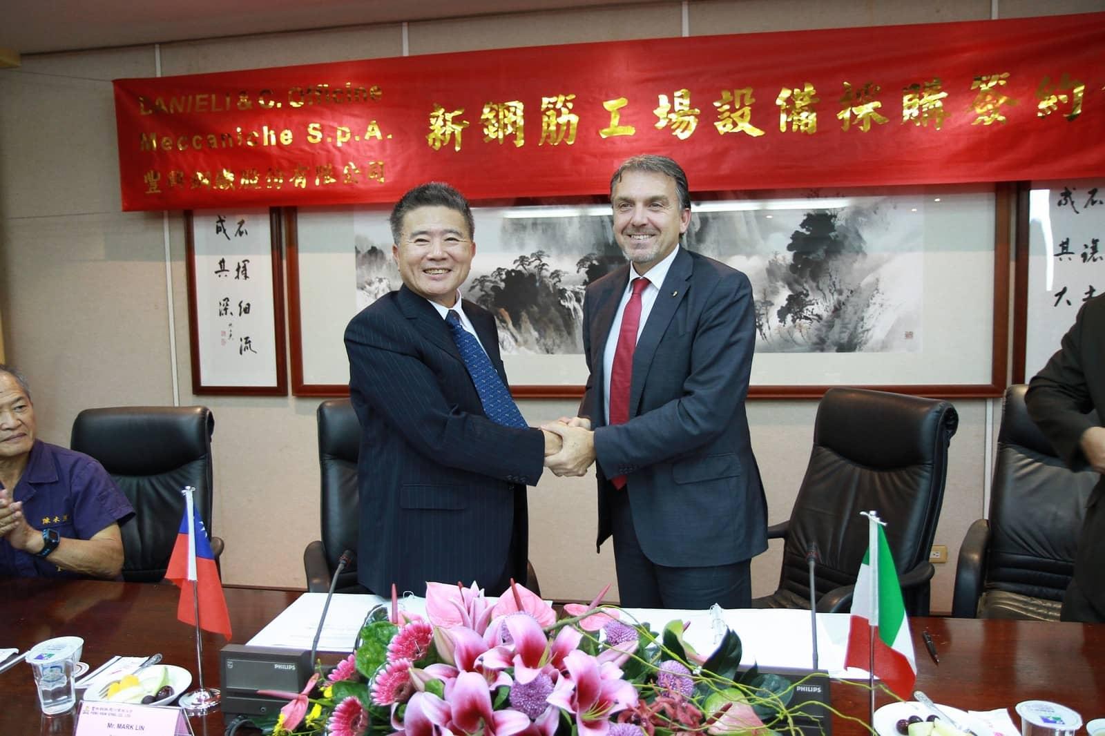 Mr. Fabrizio Mulinaris (EVP Danieli) and Mr. Mark Lin (President Chairman & CEO Feng Hsin)